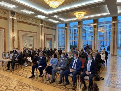 Сотрудникам Института социологии вручены свидетельства  о повышении квалификации в Посольстве России в Беларуси
