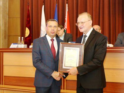 Поздравляем Н. С. Щёкина с получением заслуженной награды